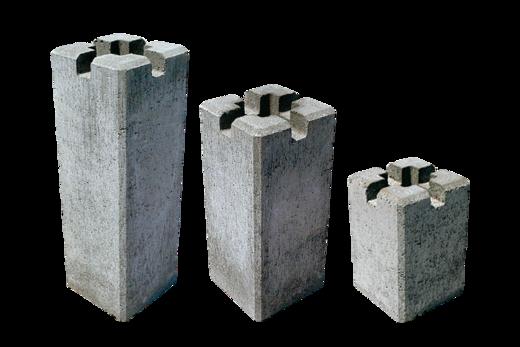 2×4束石